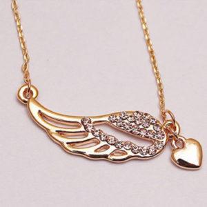 Šperk křídlo anděla osázené krystaly na řetízku