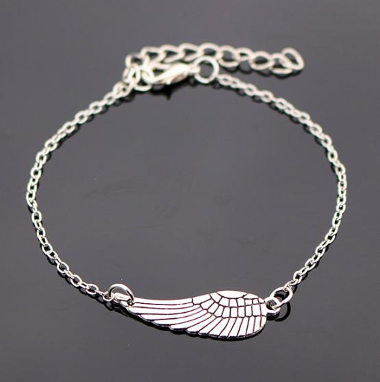 náramek na ruku s křídlem